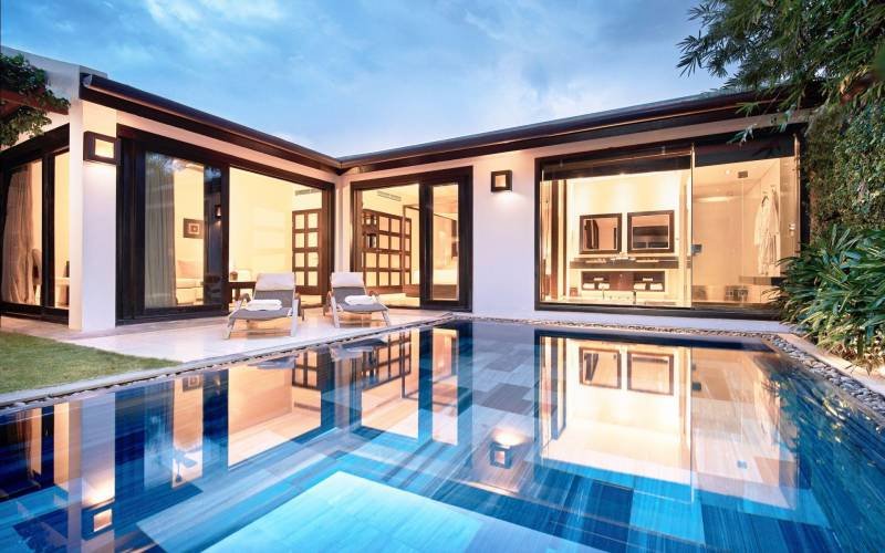 Fusion Maia Da Nang pool villa outdoor view